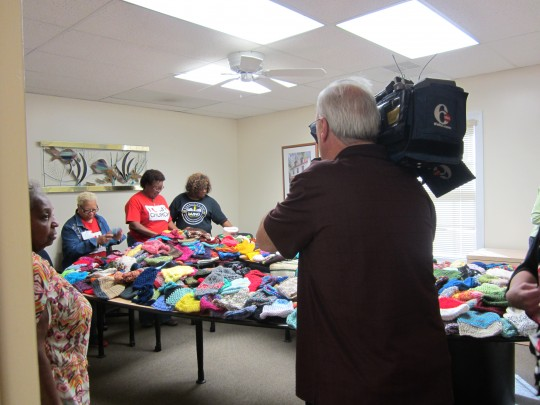 6abc covers donation to oaks integarted care